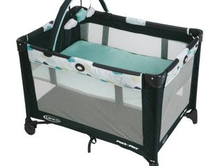 Graco Pack n Play On the Go Play Yard w  Bassinet