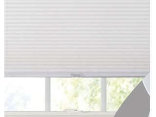 Single lF 3 8  Alpine White Pleated Blinds   Not INSPECTED