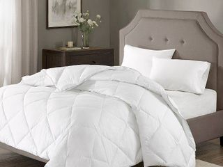 Diamond Quilting 1000 Thread Count Cotton Rich Down Alternative Comforter  King Cal King  White
