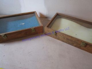 WOOD   GlASS DISPlAY CASES