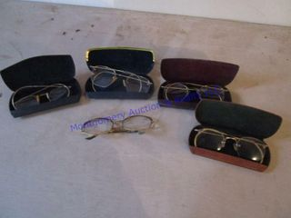 OlD EYE GlASSES   CASES