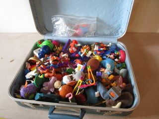 VINTAGE PENNEYS SUITCASE W  KIDS MEAl TOYS