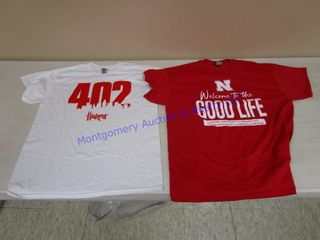 WHITE AND RED T SHIRTS