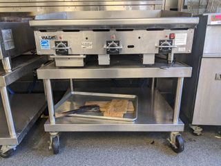 Vulcan Flat Top Griddle With Rolling Table