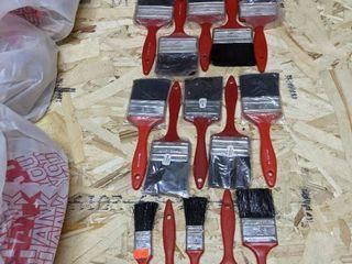 20  Plastic Paint Brushes
