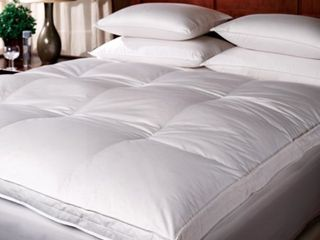 1221 King Bedding Down Top Featherbed   White  Retail 337 99