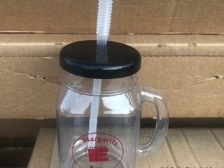 24 plastic drink mugs with lid and straw as picture