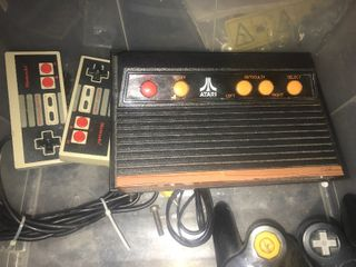 Atari Set with both controllers looks looks in good shape