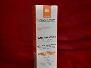 la Roche Posay Anthelios Mineral Ultra light Sunscreen Fluid   SPF 50   09 2020