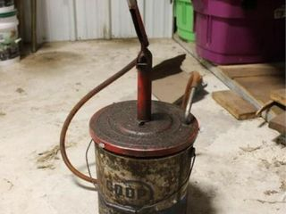5 gal bucket with pump