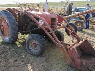 Case DC Tractor  Gas Engine w  Superior loader