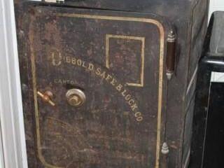 Vintage Diebold Safe  Original Working Condition