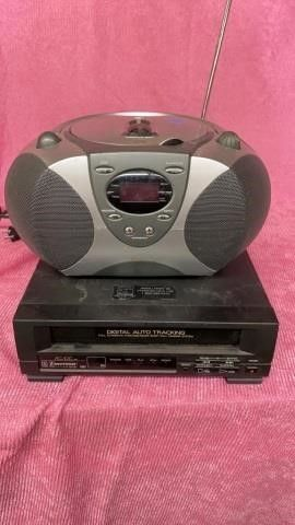 EMERSON VHS PlAYER AND DURABAND CD AND RADIO