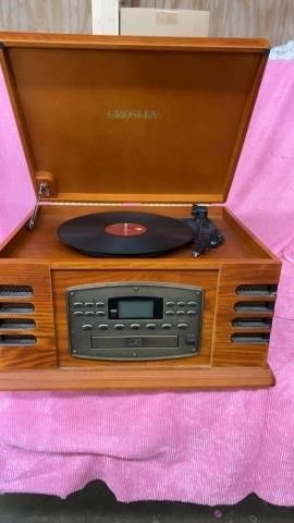 CROSlEY DVD  RECORD AND CASSETTE PlAYER