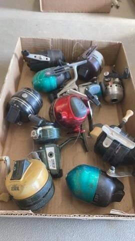 BOX OF FISHING REElS