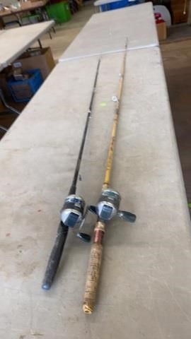 2 FISHING POlES AND REElS