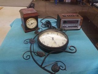 3 ClOCKS  BATTERY AND ClOCK RADIO