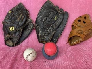 3 BAll GlOVES   T BAll AND SOFTBAll