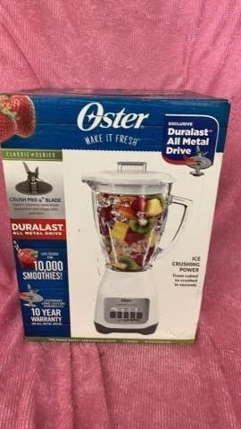 NEW IN BOX   OSTER BlENDER
