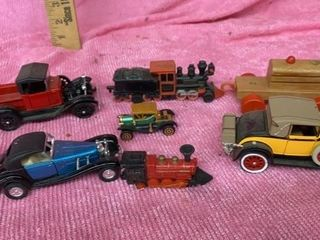 lITTlE TRAINS AND OlD PlAY CARS