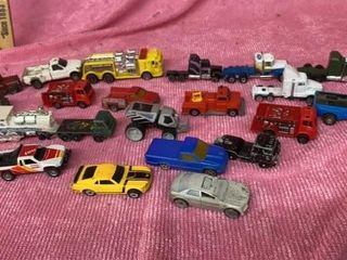 ASSORTMENT HOT WHEElS   SEMIS RACE CARS AND OTHER