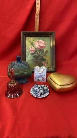 PORTRAIT  CARNIVAl BEll AND CANDY DOSH  TEA SET