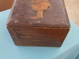 ANTIQUE WOOD RECORD BOX WITH 45 RPM RECORDS