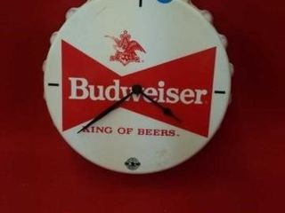 11  BUDWEISER BATTERY PlASTIC ClOCK