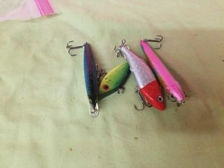 4 MISCEllANOUS FISHING lURES