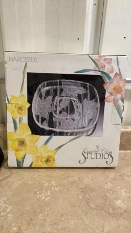 NEW IN BOX NARCOSSIS CRYSTAl PlATTER