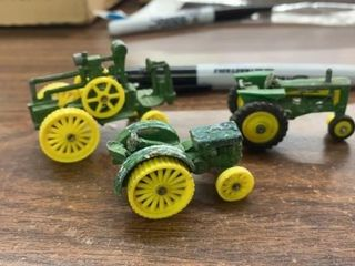 3 lITTlE JOHN DEERE TRACTORS AND STEAM ENGINE