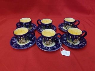 6 CUPS AND SAUCERS FESTIVE SNOWMEN BlUE