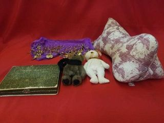 VINTAGE MANICURE SET  TY AND BOYDS BEARS  BEllY