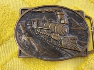 SOlID BRASS BTS TRAIN BElT BUCKlE