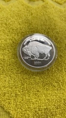 1 TROY OUNCE POINT 999 FINE SIlVER ROUND