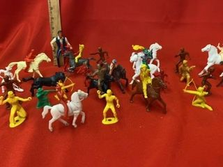 VINTAGE TOY COWBOY   INDIANS AND HORSES