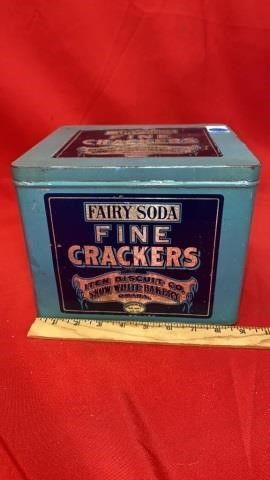 FAIRY SODA CRACKER TIN