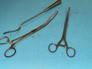 3 ANTIQUE SURGICAl TOOlS  PAT 1904