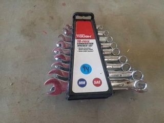 lIKE NEW 18 PIECE COMBINATION WRENCH SET