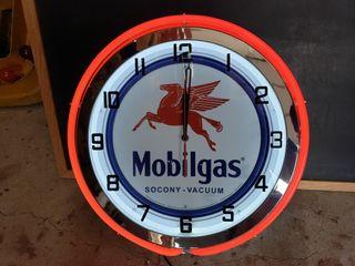 Mobilgas neon clock  20in