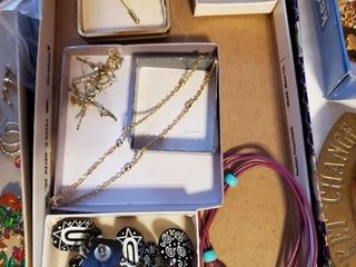 Indian themed jewelry   variety 3 pairs of