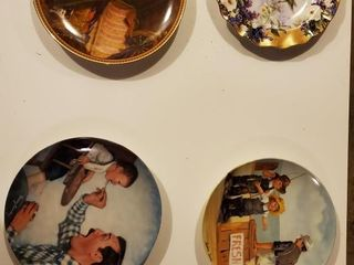 Painted Plates  Vintage Collectable