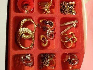 Black Jewelry w  earrings Many styles of