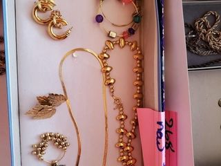 Goldtone necklaces and earrings like