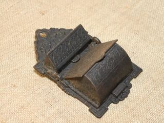 Vintage iron cast match holder