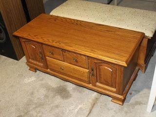 Huppe oak chest with cedar lining