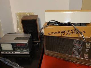 Auto antenna radio and speaker