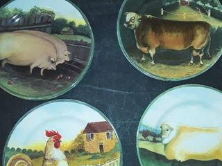 8 COUNTRY FARM PlATES by Gear  Picture shows 4 but there is 2 of each
