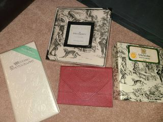 Photograph books and wedding pictures album With picture frame