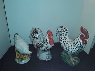 FITZ and FlOYD Rooster Figurines  2  and one is INTERNATIONAl